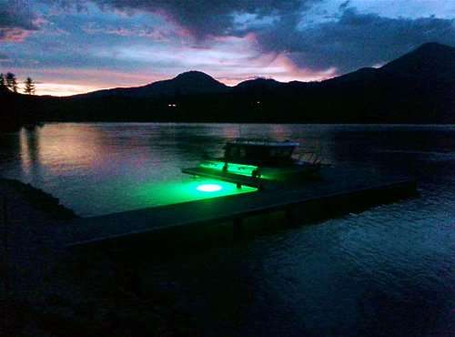 green LED underwater dock light